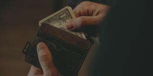 3 Sistemas económicos para tu novela
